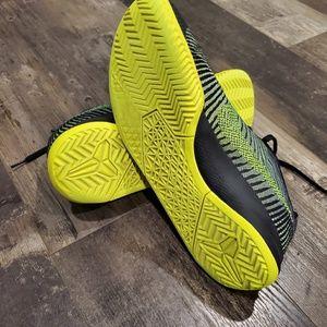 Nike Shoes - Nike shoes 10.5